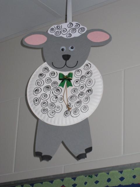 Boards paper plate craft 012 kindergarten connections for Best out of waste craft for kindergarten