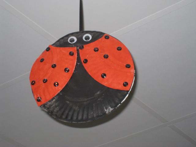 Boards paper plate craft 015 kindergarten connections for Best out of waste craft for kindergarten